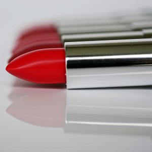 lipstick-1367770_1280
