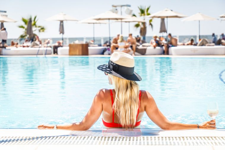 03efe099bb Summer in Style at the Iconic Ocean Club, Marbella – Fuzzable