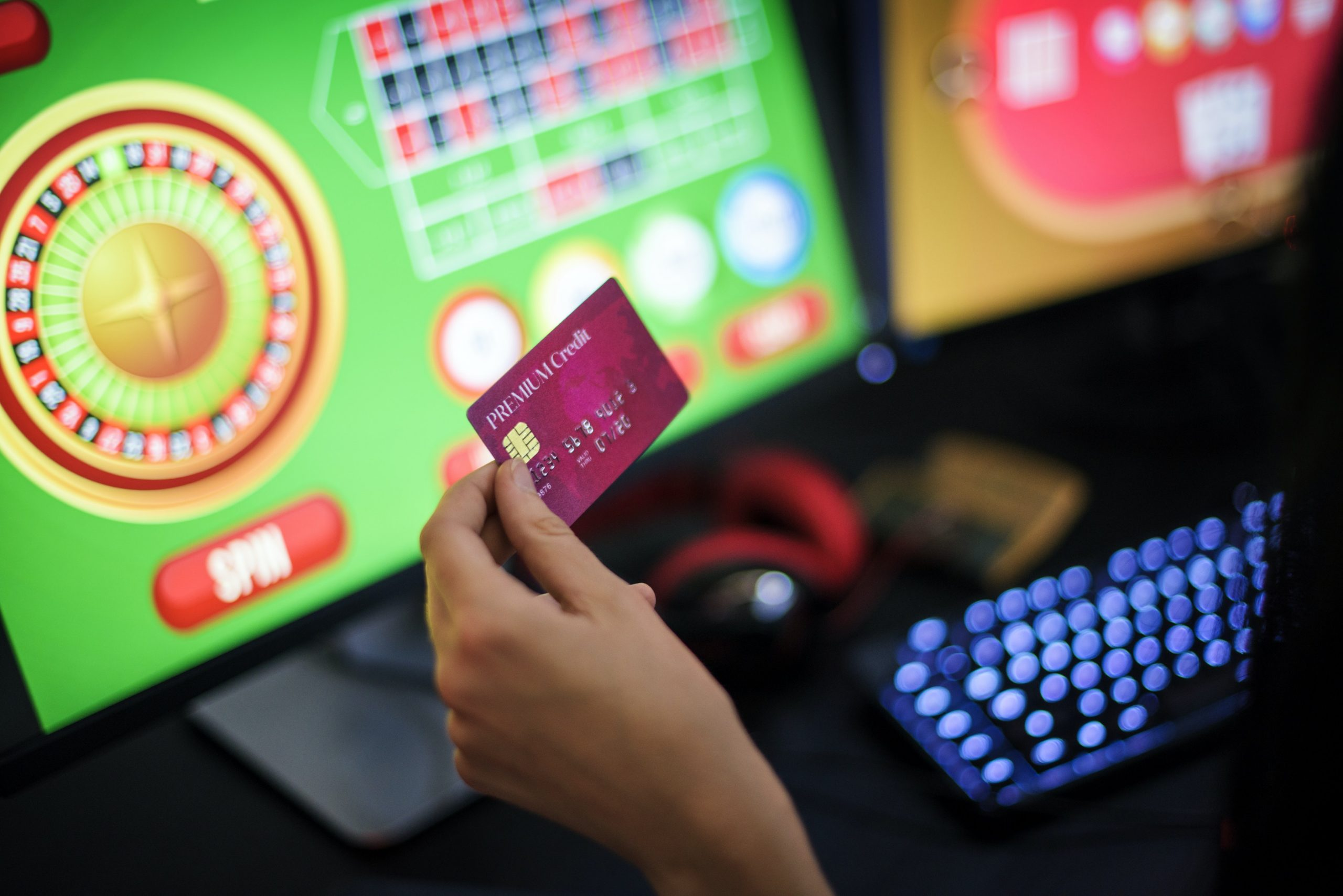 Reasons why you should start playing in online casinos - Fuzzable